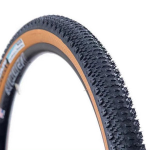 "SimWorks by Panaracer ""Super Yummy Tire"""
