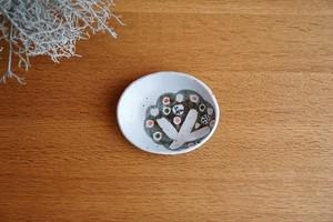 砥部焼/「小さな森」楕円小皿/森陶房kaori
