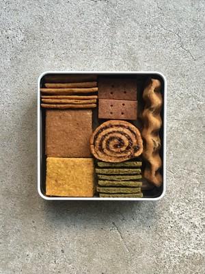 もっとおうちを楽しむクッキー缶と緑茶のセット