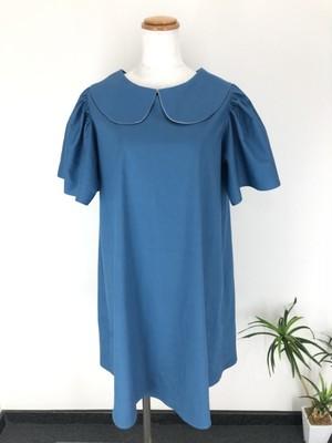 綺麗な袖のドレープと裾の軽やかさが演出する上品スタイル。肌触りの良い柔らか生地で作った青色のAライン丸襟ワンピース。 一点もの コットン100% 通勤 通学 快適 オールシーズン