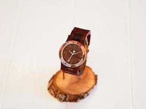 銘木紫檀の木製腕時計