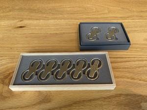 錫の箸置き「8」 5個いり