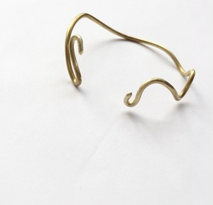 gold wave bangle