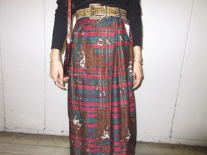 Dead stock winding skirt with animals