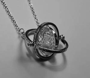 【即納】ホロスコープ 砂時計 ネックレス 2色