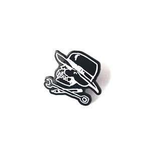 HARD LUCK - HARD LUCK SKULL PIN