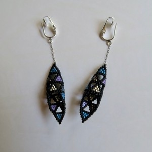 Myn da Roca silver × blue earring