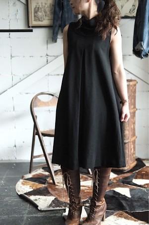 60s Black no sleeves dress