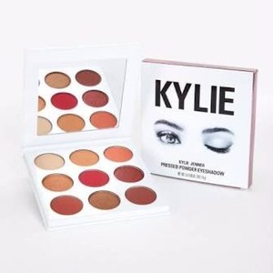 "KYLIE COSMETICS ""THE BURGUNDY PALETTE"""