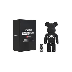 "BE@RBRICK TOYOTA ""Drive Your Teenage Dreams."" 100% & 400%"