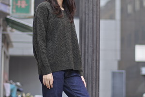 【Phlannèl】Wool Yak Cable V-neck Knit