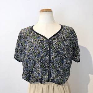 Blue Floral Pattern V Neck Blouse / ブルー花柄Vネックブラウス