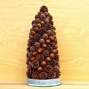 木の実のリース 円錐型 No1