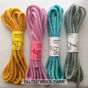 PIKKU FANTTI / wool felt yarn フェルト糸  (Finland)