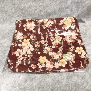 もるぺうすの寝袋さんLサイズ(モルモット)の紅色桜柄(内布アイボリー)