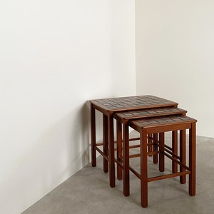 Nesting table with tile top / TB018