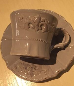 フレンチテイストのカップ&ソーサー