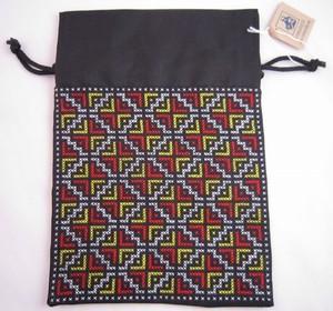 カマクラフト手刺繍巾着(中)白・赤・黄