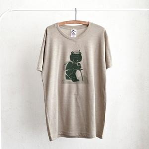 登山熊のTシャツ / ベージュ(缶バッジ付き)