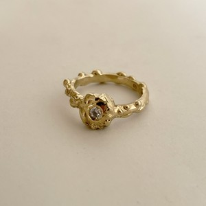 Darwin Ring with 3mm White CZ Gold