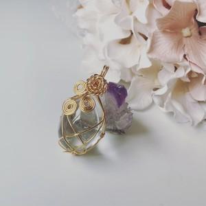 ✴︎ヒーラーが作る天然石ワイヤーラッピングアクセサリー✴︎ チャームぷっくりヒマラヤ水晶