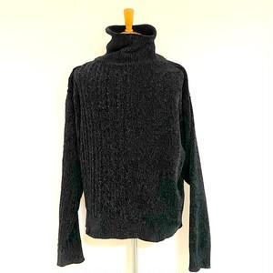 Mole Yarn Asymmetry Turtle Neck Loose Knit Black