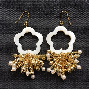 SHELL FLOWER Beads Tassel ピアス/イヤリング - gold-