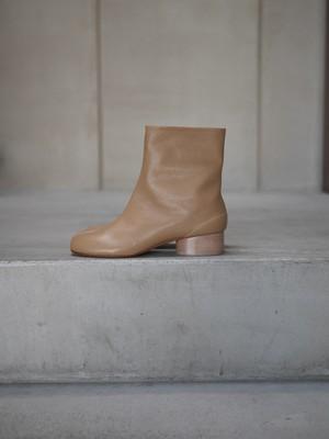 Maison Margiela /  Vintage leather  Tabi Boots / 3cm heel (nude)