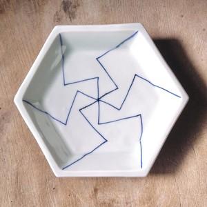 176  風車文六角平皿