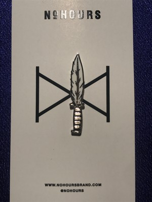 "NoHOURS""FEATHER KNIFE PIN"""