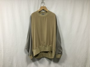 "HOMELESS TAILOR""ROUND SHOULDER CREW CAMEL"""