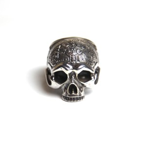 "CONSIGLIERE/コンシリエーレ The ""First"" Memento Mori Skull Ring without madible"