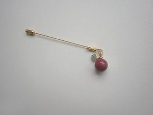 ゆる天然石のピンブローチ&ペンダントトップ・ピンクのりんご