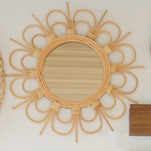 玄関にぴったり。ラタンの組み方がおしゃれなミラー。 rotta rattan mirror fleur S