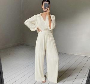 【送料無料】セットアップ スーツ パンツ シャツ 大人可愛い プリーツ ホワイト オフホワイト ワイシャツ ワイドパンツ  ハイウエスト  お呼ばれ 女子会 デート