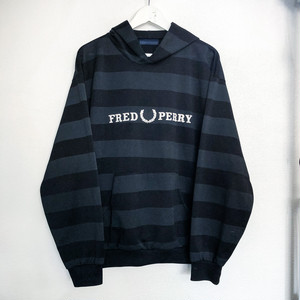 FRED PERRY  border Parker