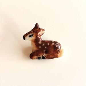 Phraula* 樹脂ブローチ / 子鹿