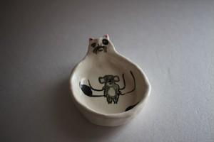 室井雑貨屋(室井夏実)|豆皿 コアラを抱く猫