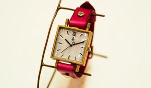 シンプルスクエア型腕時計