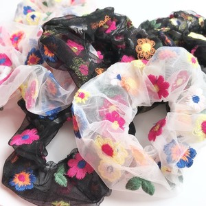 H1001 - Flower Scrunchie