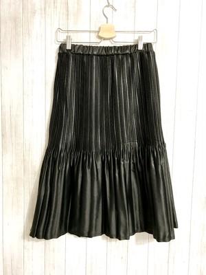 フェイクレザー二段プリーツスカート