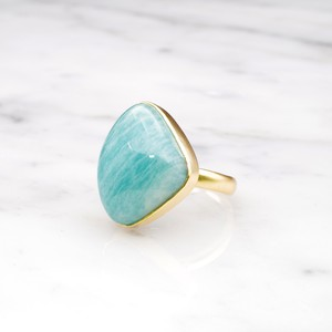 SINGLE BIG STONE RING GOLD 032