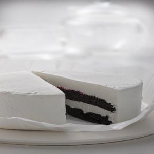 黒いチーズケーキ【送料込・税込】