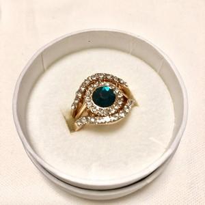 エメラルドグリーン3連リング/ Lovisa ring