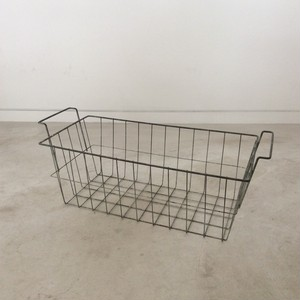 Wire Basket (with handle)