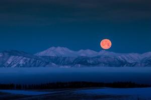 北アルプスと有明の月