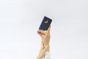 夜空と三日月の、手帳型スマホケース
