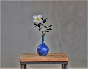 李朝 瑠璃釉陰刻花瓶