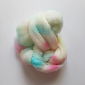 手染め羊毛 ポロワス レインボー染0601  約34g