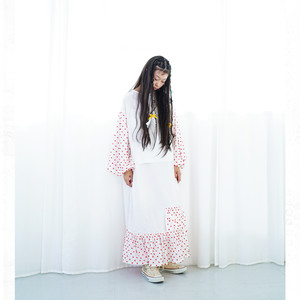 BEAR EMBROIDERY BONBON CUT JQ DRESS / WOMEN